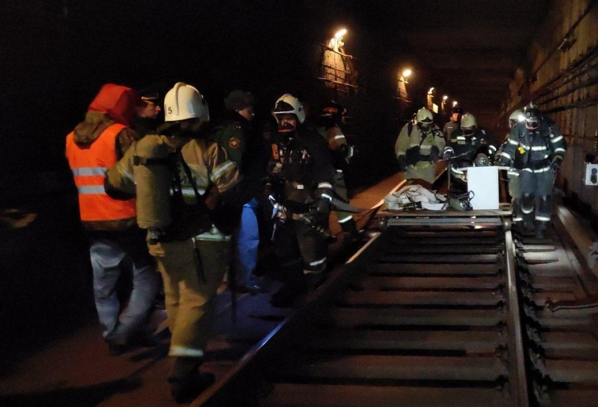 Спасатели показали, как «победили пожар» в нижегородском метро