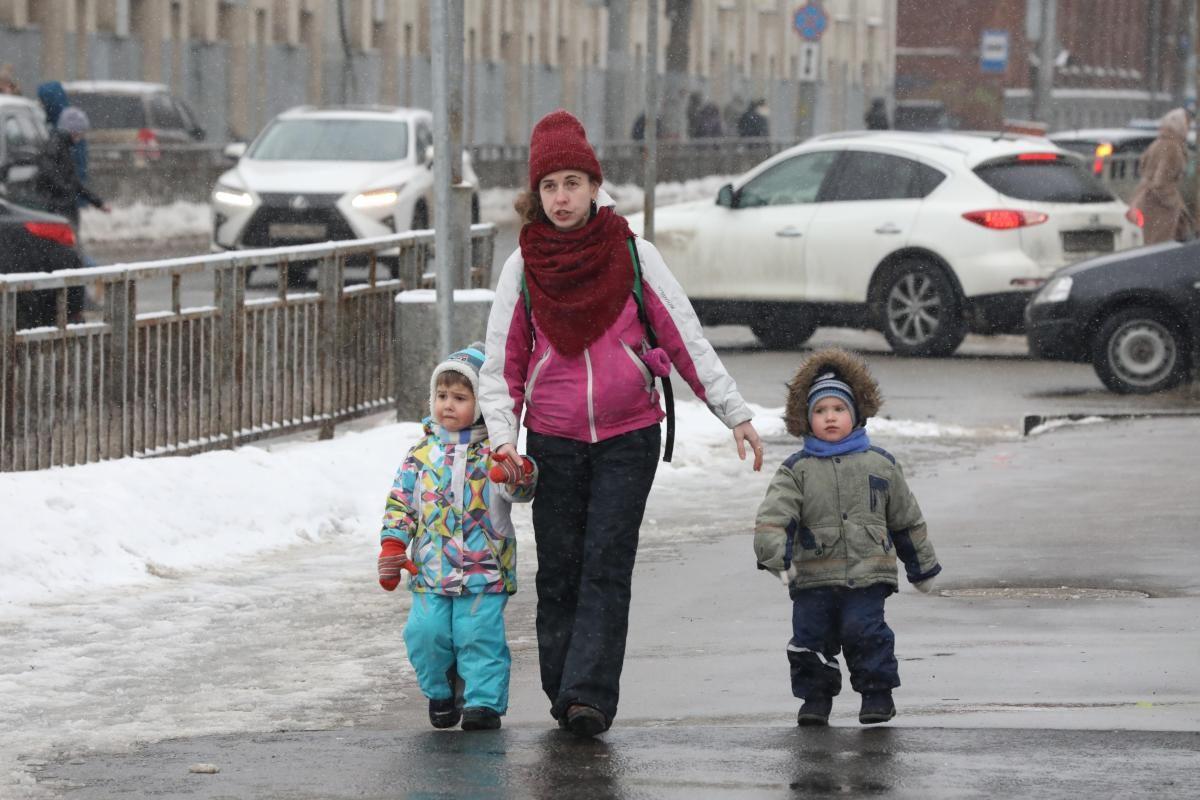 Нижегородские семьи получили выплаты на6,3 тысячи детей ввозрасте от3 до7 лет с начала года