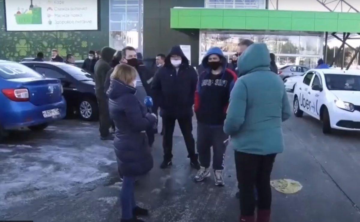 Не везет, так не везет: разбираемся, почему бастуют нижегородские таксисты