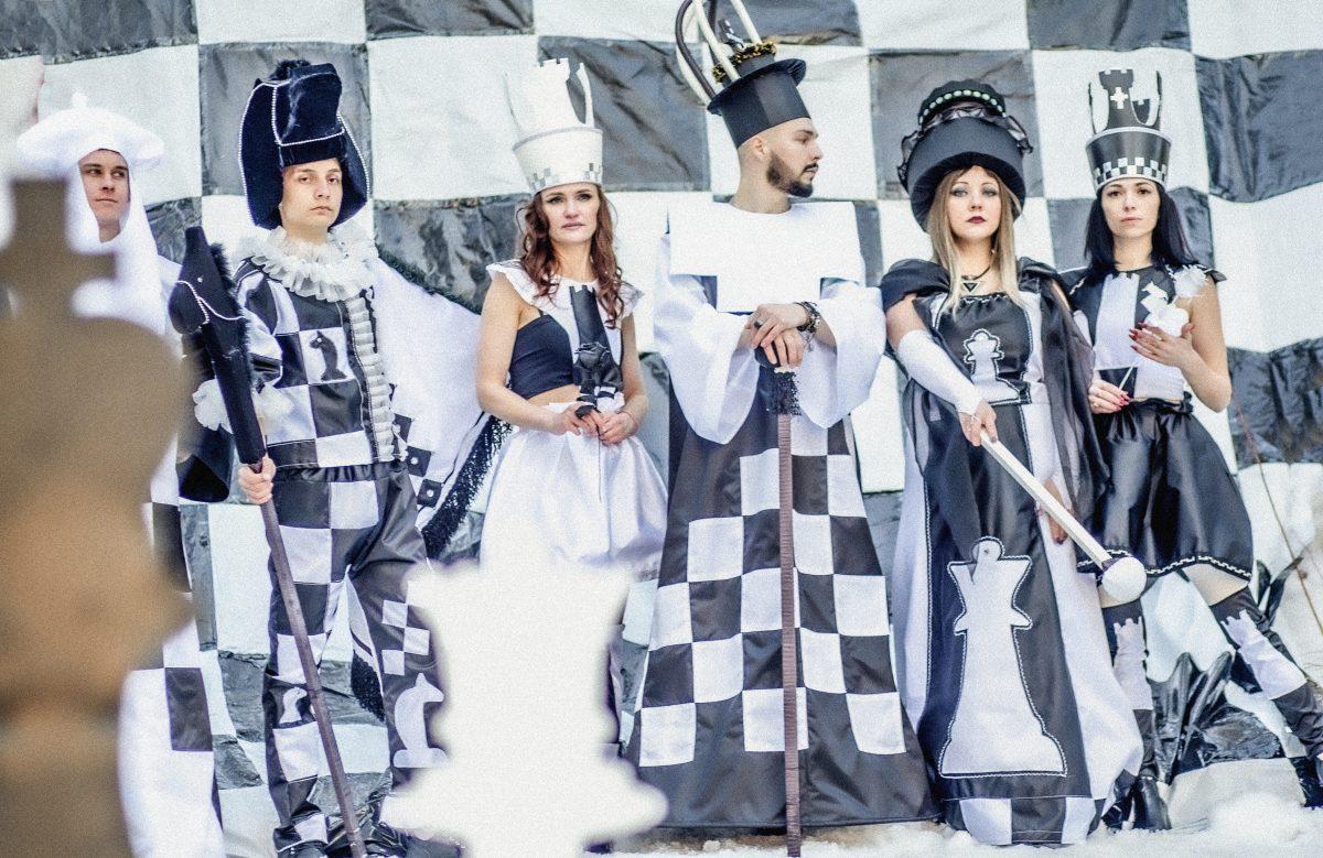 Жители Дзержинска сыграли в «живые шахматы»