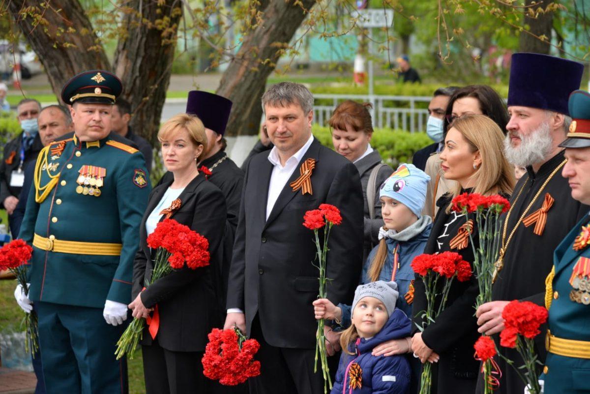 Глава Дзержинска Иван Носков возложил цветы к Мемориалу в честь погибших героев