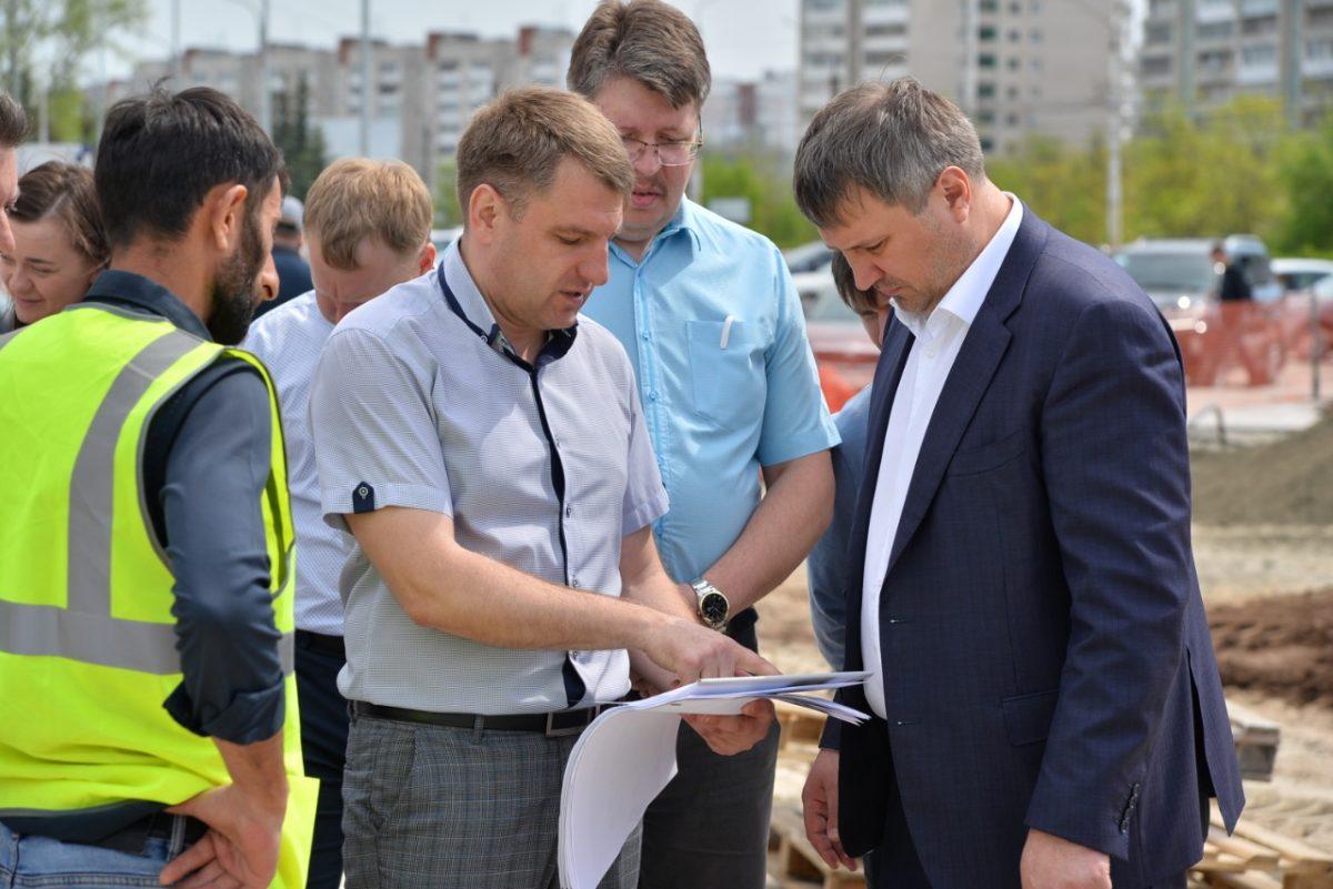 В Дзержинске проверили выполнение работ по благоустройству общественных пространств