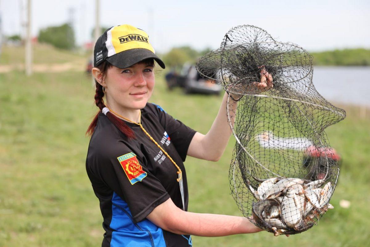 Дзержинцы приняли участие в турнире по ловле рыбы «Весна в городе»