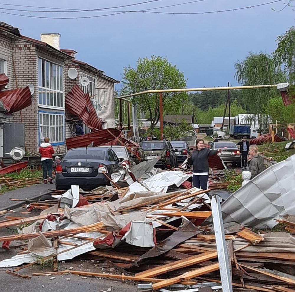Сильный ураган прошелся по Нижегородской области: смотрим фото последствий непогоды