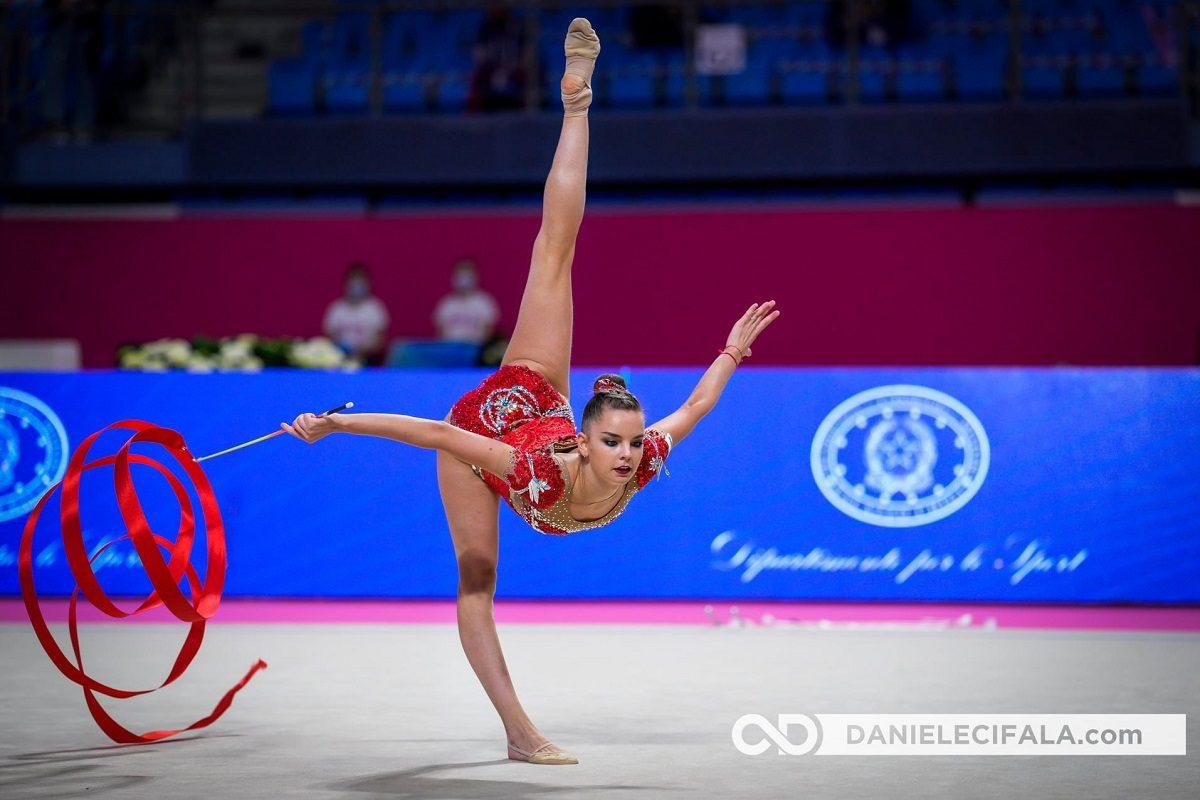 Нижегородские сёстры Аверины завоевали 10 наград на этапе Кубка мира по художественной гимнастике