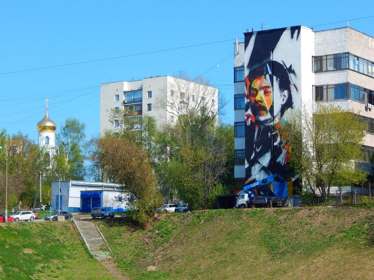 Фото дня: Новый стрит-арт с Максимом Горьким появился в Нижнем Новгороде