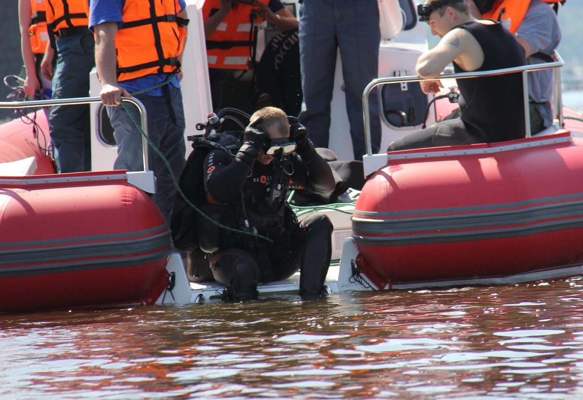 Спасатели обнаружили тело мужчины в озере Юрасовское на Бору
