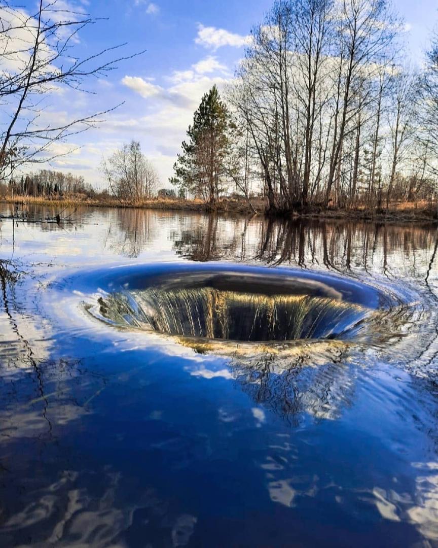 Фото дня: «Черную дыру» нашли нижегородцы в Тонкинском районе