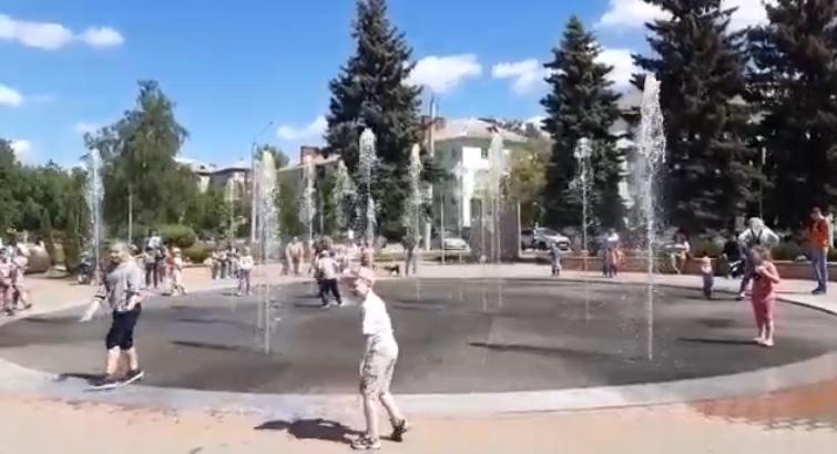В Дзержинске открылся фонтан «Торнадо»