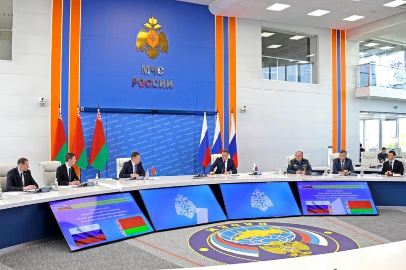 Дмитрий Краснов принял участие вработе международного салона «Комплексная безопасность-2021»