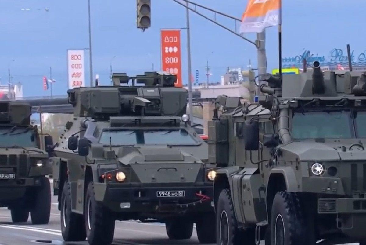 «Дева», «Спица» и «Тайфун-ВДВ»: уникальную военную технику представили на параде 9 мая в Нижнем Новгороде
