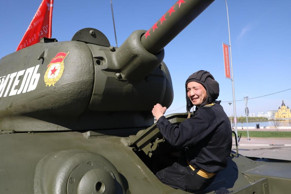 репетиция парад победы 9 мая военные танк