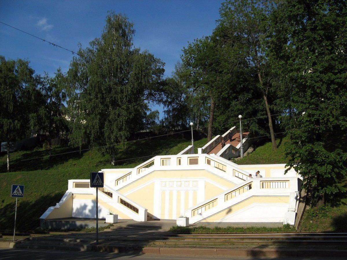 Театральную лестницу в Нижнем Новгороде отремонтируют почти за 2 млн рублей