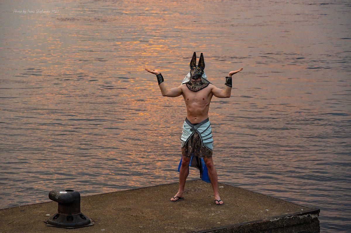 Древнеегипетский бог Анубис появился на улицах Нижнего Новгорода