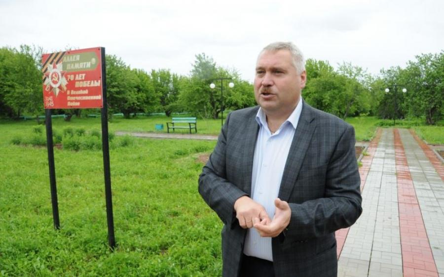 Экс-главу Шаранги заподозрили в махинациях: вспоминаем, за что Олег Зыков оказался под следствием