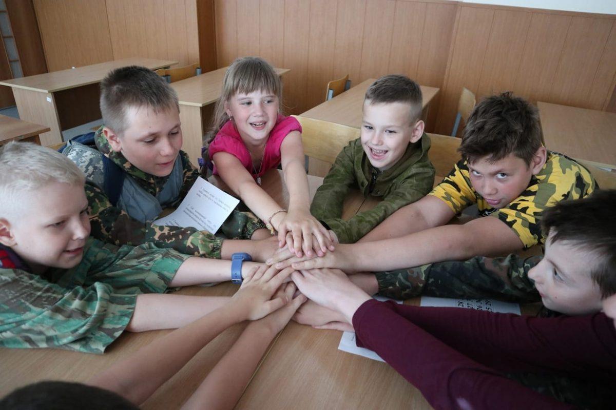 Военно-патриотическая смена «Юнармеец» прошла в Дзержинске