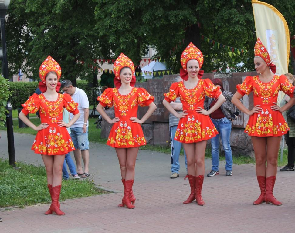 Музыкальные фестивали, выставка ретро-автомобилей и виртуальные игры: публикуем программу Дня России в Нижнем Новгороде