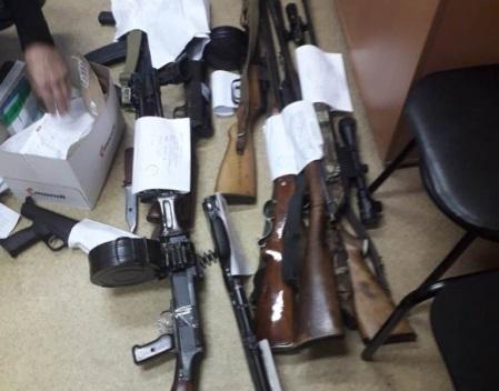 Житель Семенова незаконно хранил оружие дома