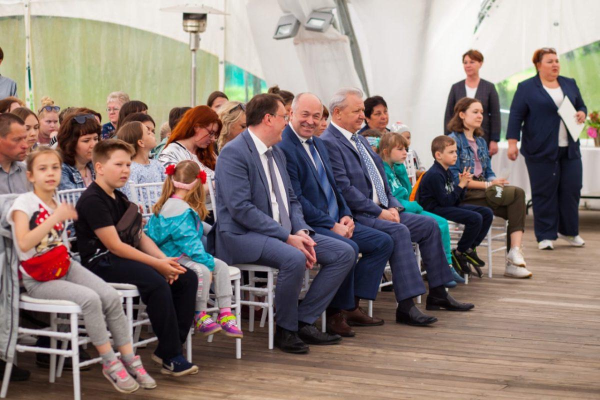 Дмитрий Краснов иЕвгений Лебедев поздравили соцработников Арзамаса