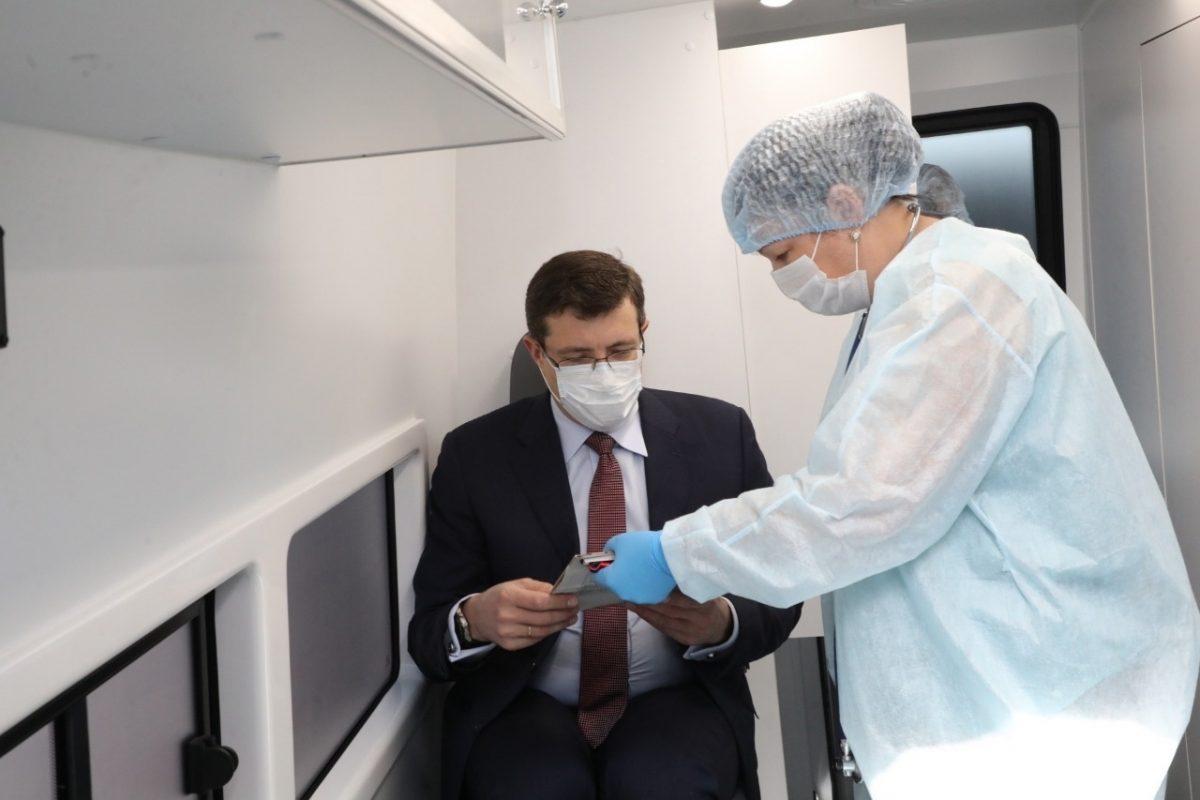 Глеб Никитин сделал повторную прививку откоронавируса
