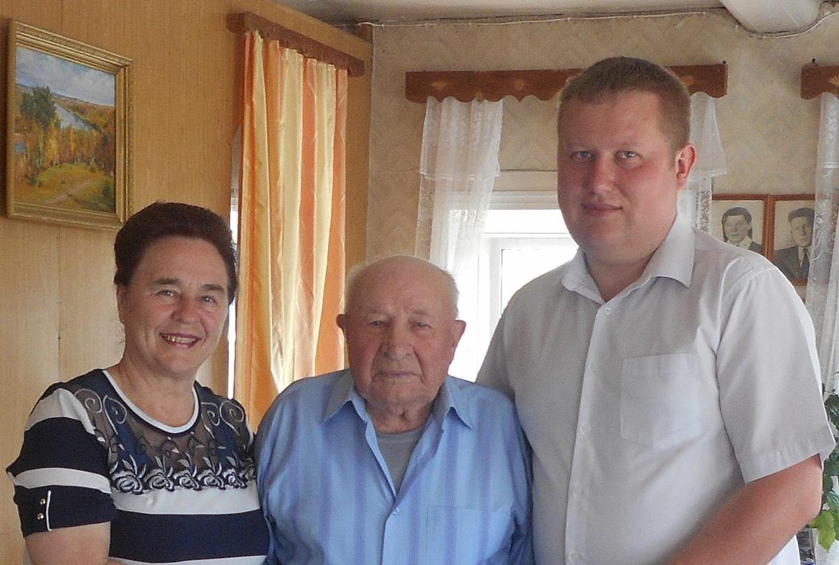На теле было 14 ран: в день 99-летия фронтовик Павел Зверев вспоминал войну