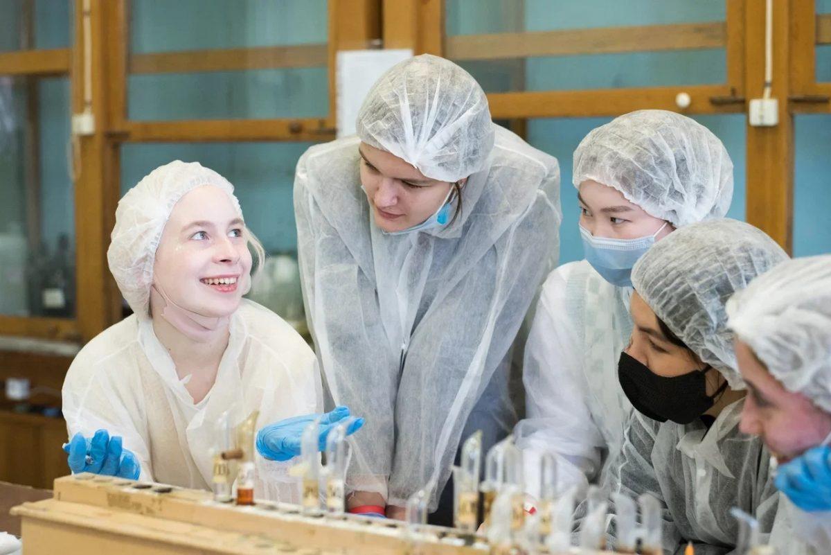 Школьник из Сарова выиграл премию Российской школы фармацевтов и бесплатное обучение в вузе