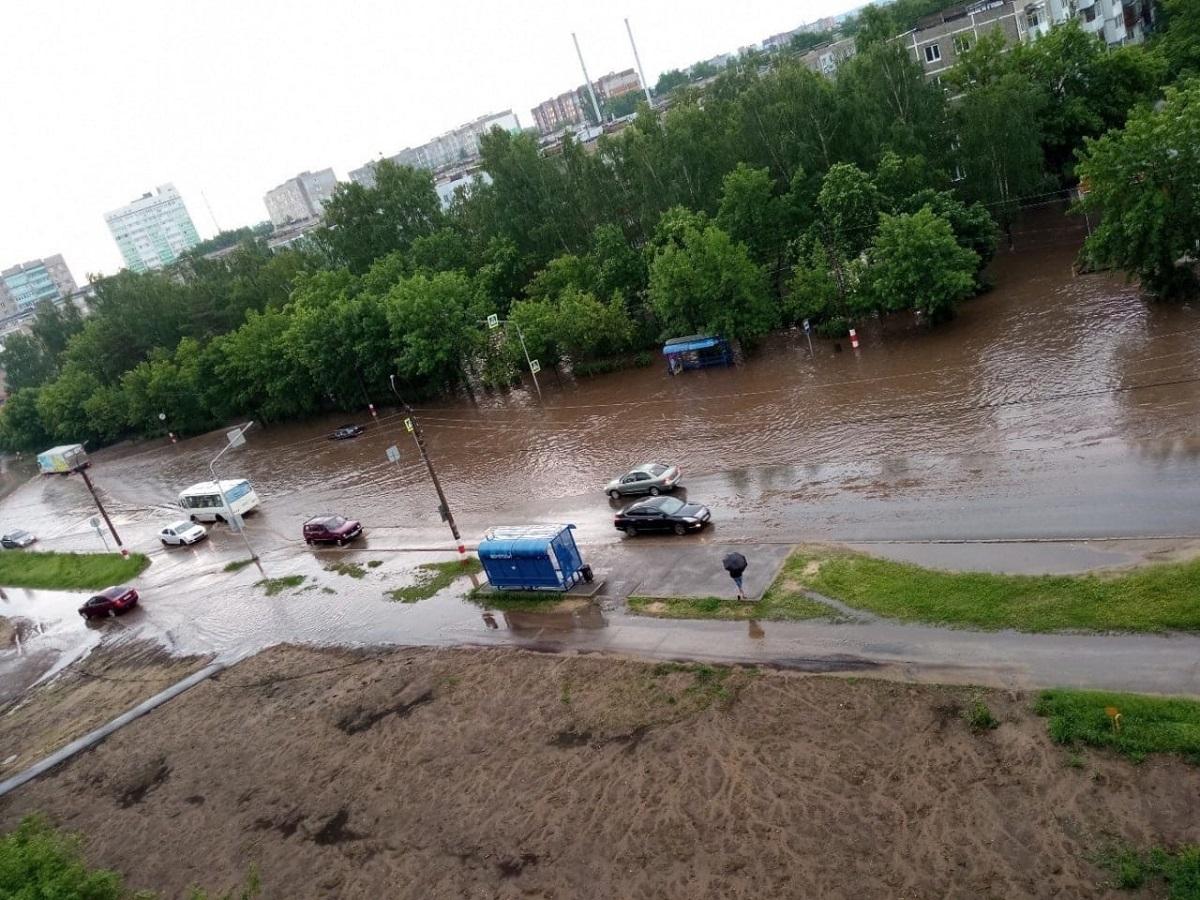 Дзержинская Венеция: городские ливневки не выдержали сезон дождей