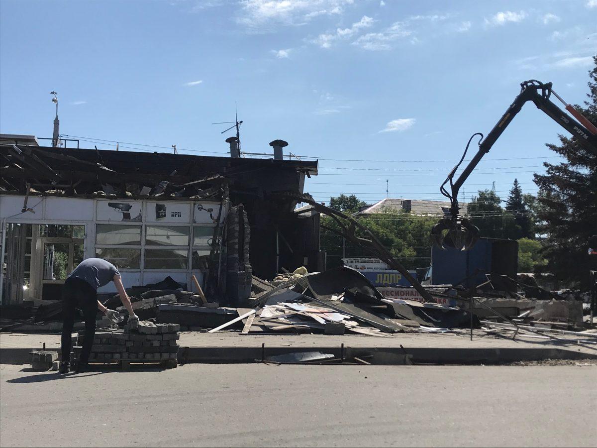 Бесхозный павильон около Дворца спорта снесли в Нижнем Новгороде