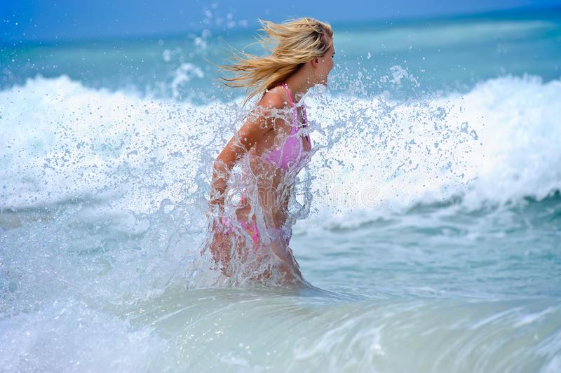 Поймали волну: рассказываем, как отдохнуть на море без вреда для здоровья