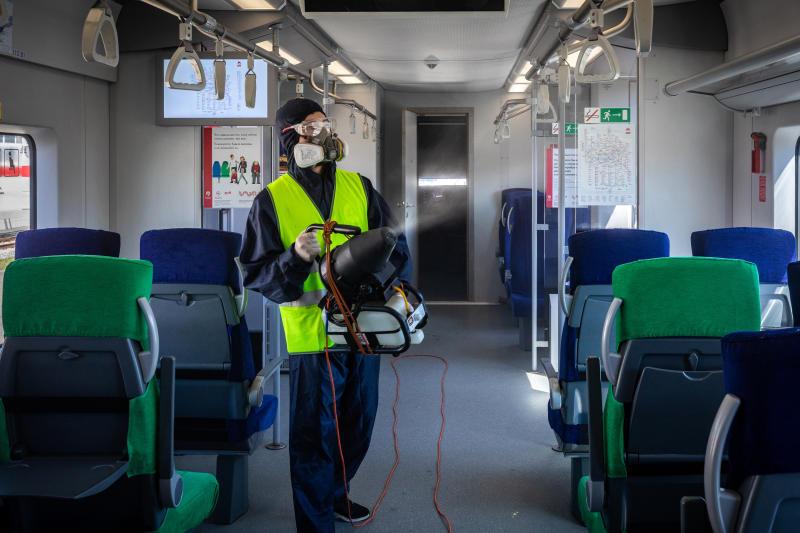 Холдинг «РЖД» обеспечивает соблюдение противоэпидемических мер на вокзалах и в поездах