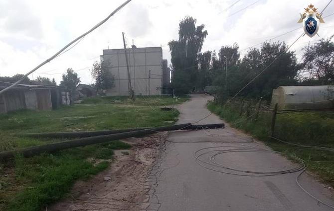 Пенсионер пытался починить электричество и упал со столба в Кстовском районе