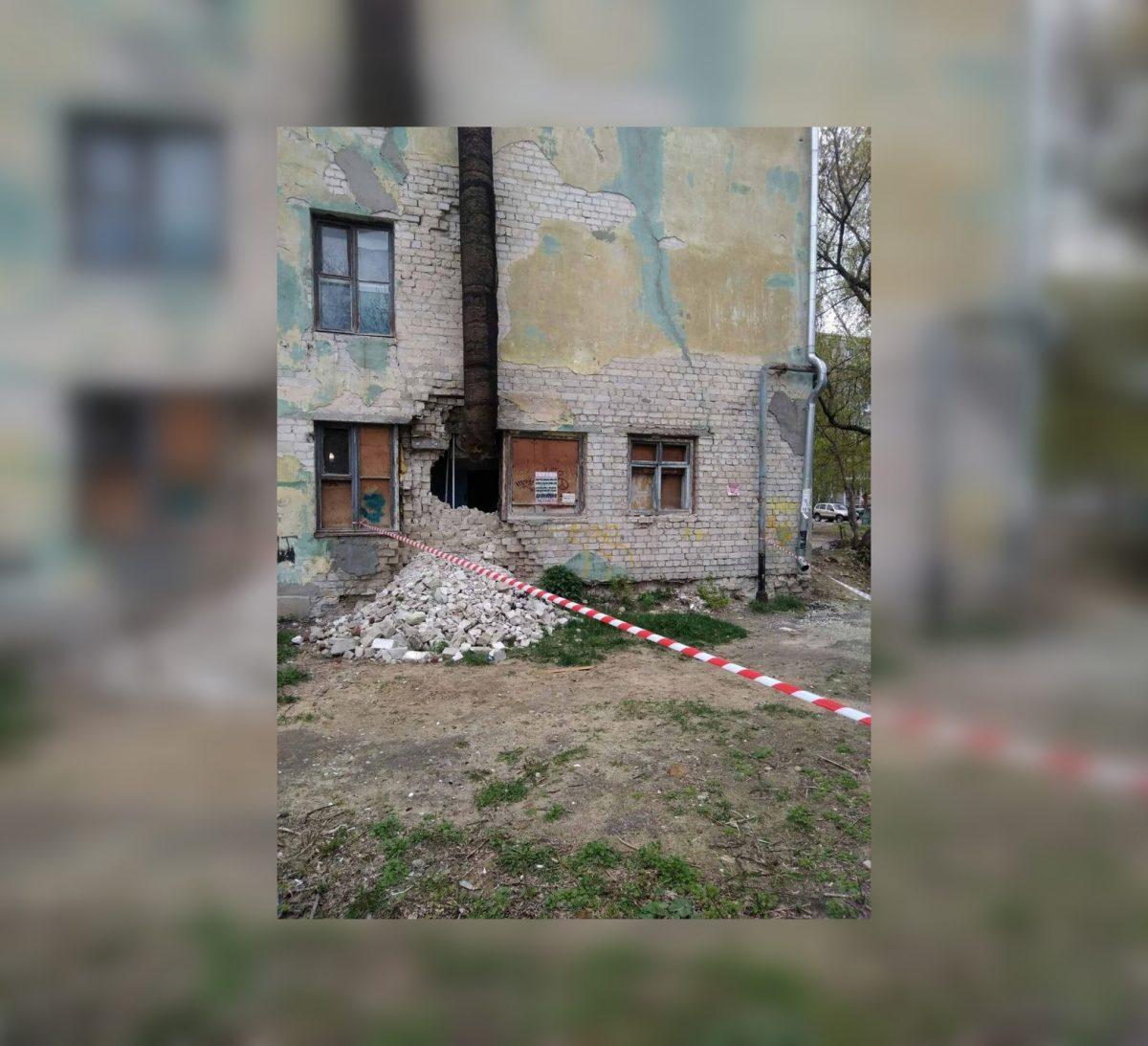В Дзержинске жителей дома, в котором произошел обвал стены, начали расселять