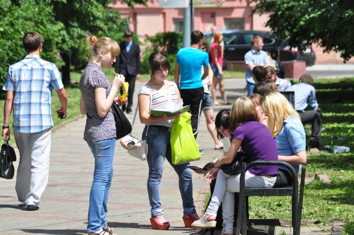 Возраст российской молодежи предлагают увеличить до 40 лет