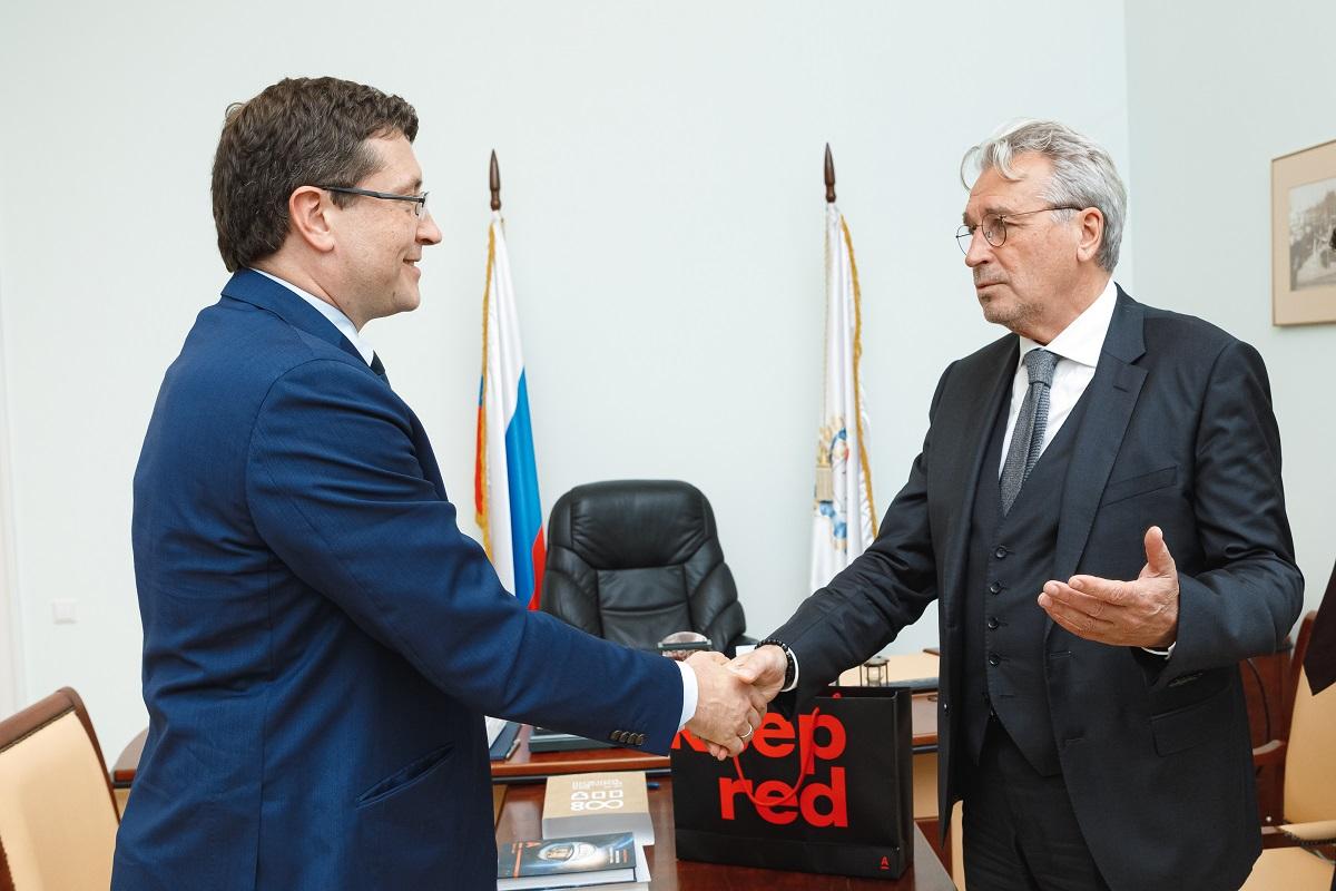 Глеб Никитин ипрезидент Альфа-Банка Олег Сысуев подписали соглашение осотрудничестве