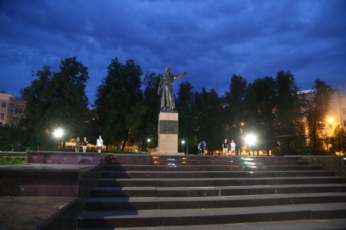 Установка освещения на пяти памятниках близится к завершению в Нижнем Новгороде