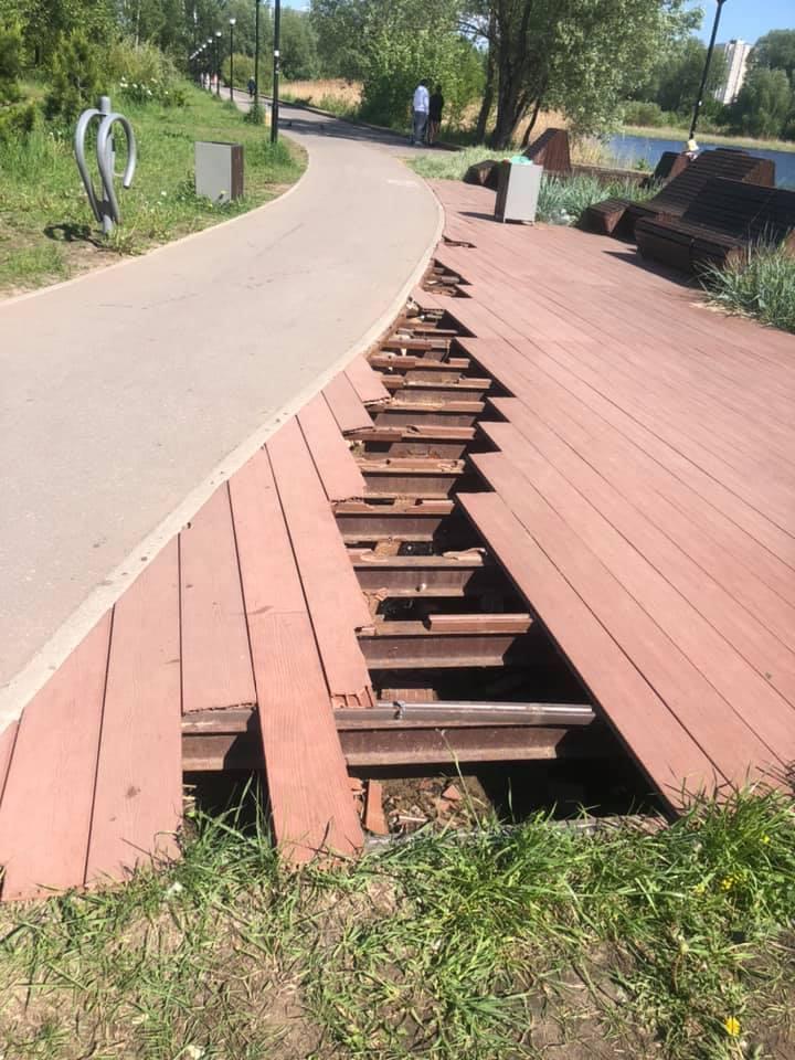 Провал дорожного покрытия возле Мещерского озера отремонтируют в июле