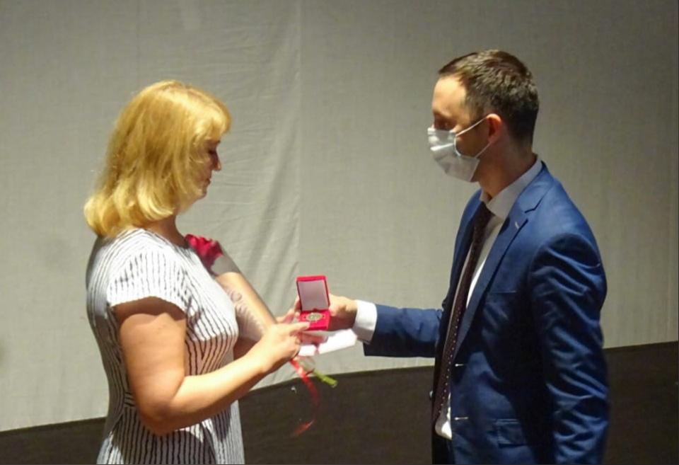 Давид Мелик-Гусейнов поздравил коллектив городской клинической больницы №5 сДнем медицинского работника