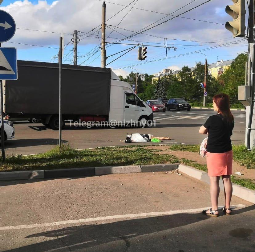 Пенсионерка погибла под колесами фуры на проспекте Ленина