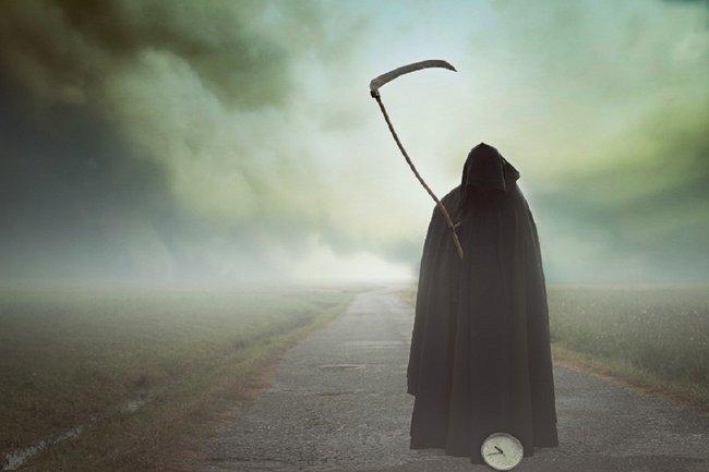 Названы 5 знаков, которые указывают на скорую смерть
