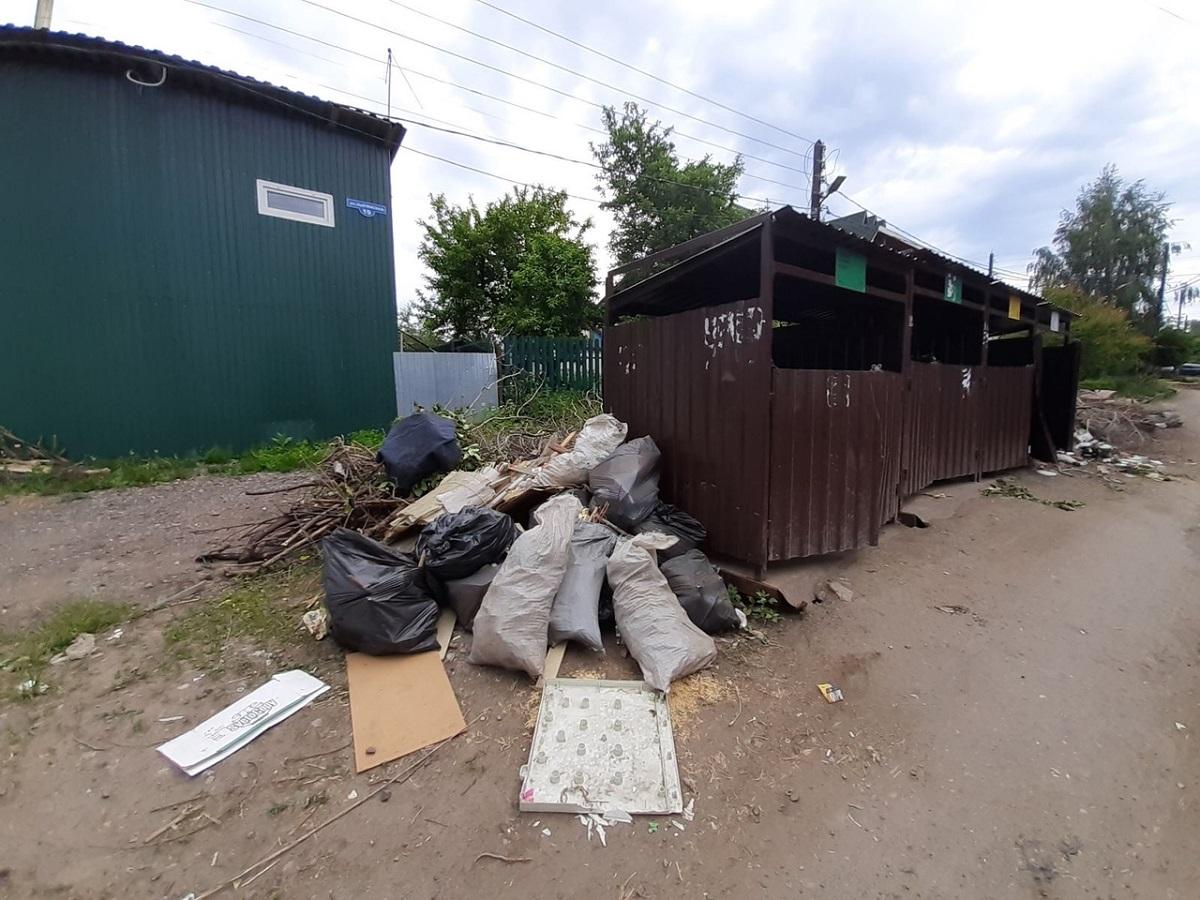 Нижегородцы жалуются на переполненные контейнеры: грозит ли жителям города мусорный коллапс