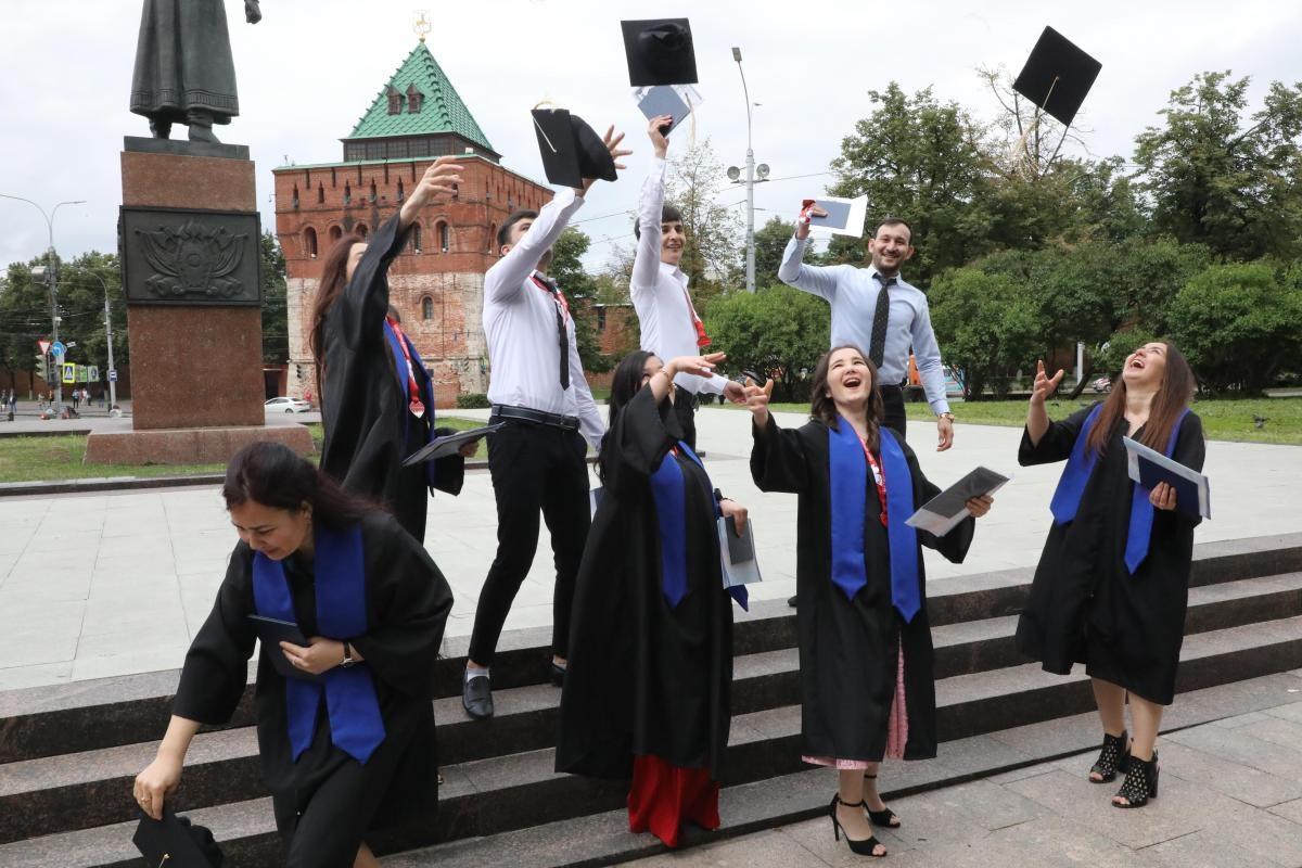 Правда или ложь: из-за коронавируса в вузах отменяют выпускные