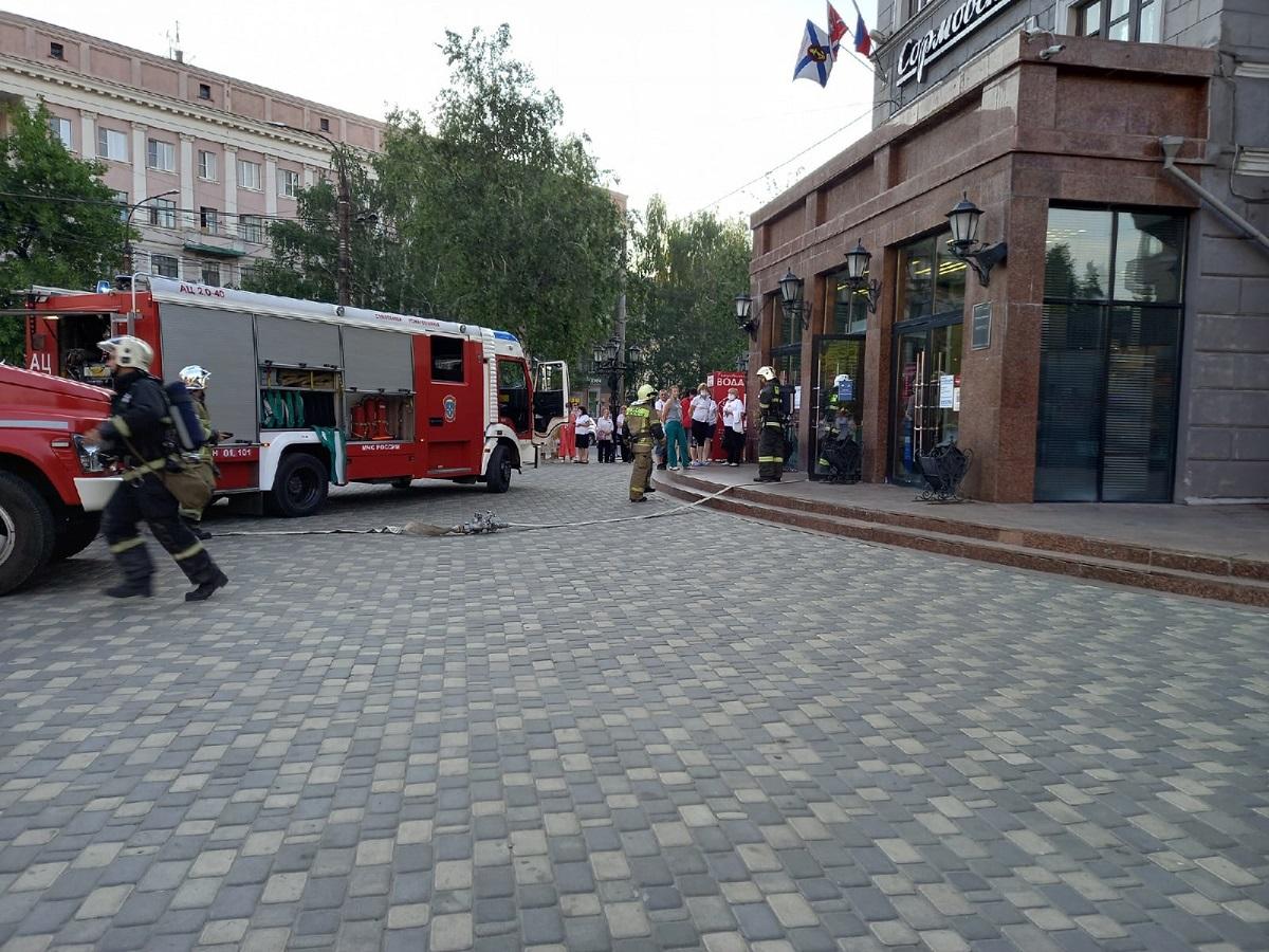 Пожар произошел в универмаге «Сормовские зори» в Нижнем Новгороде