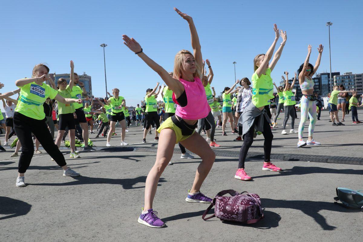 Экстрим, забеги и бассейн с крышечками: фоторепортаж с Зеленого марафона и фестиваля «Самый спортивный»