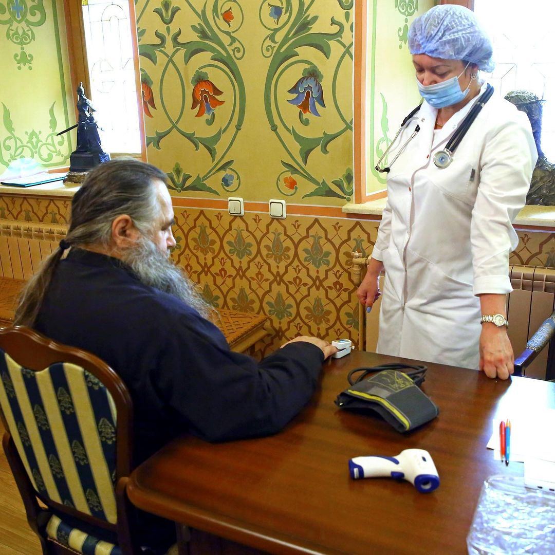 Митрополит Нижегородский и Арзамасский  Георгий сделал прививку от коронавируса