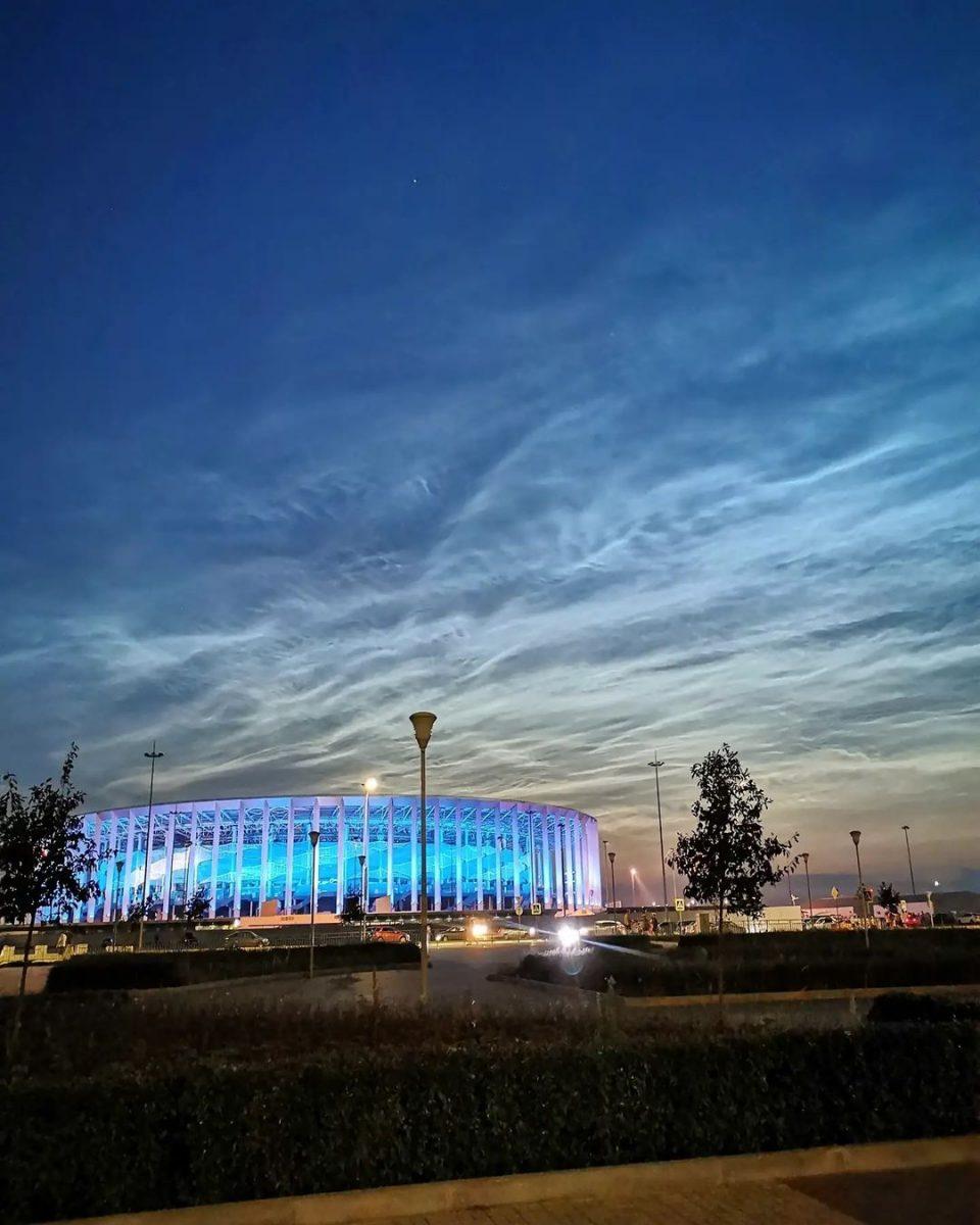 Редкие серебристые облака появились в Нижнем Новгороде
