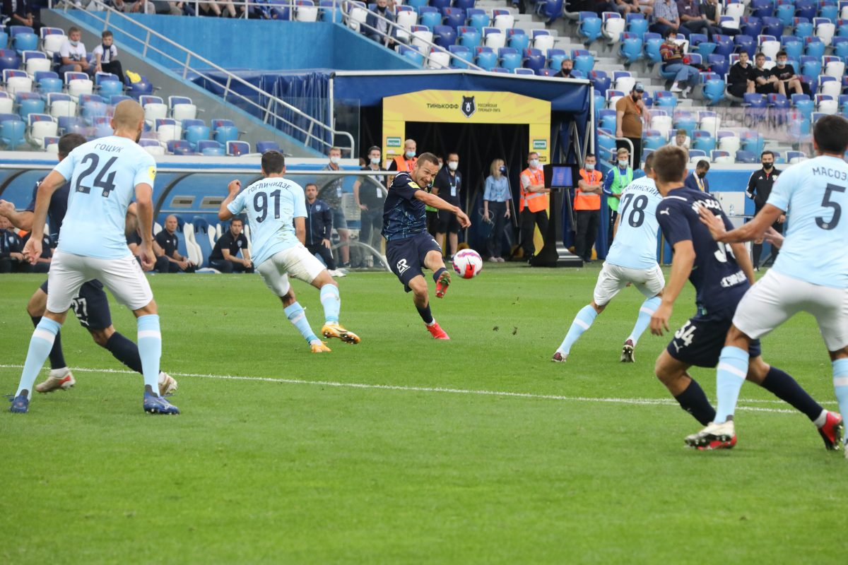 Футболисты «Нижнего Новгорода» с победы стартовали в российской премьер-лиге