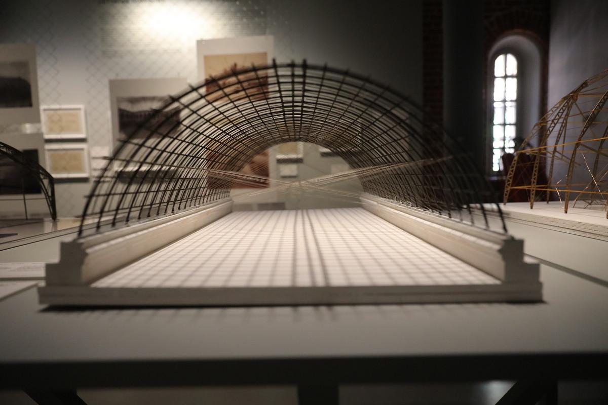 Выставка «Шухов. Формула архитектуры» открылась вАрсенале