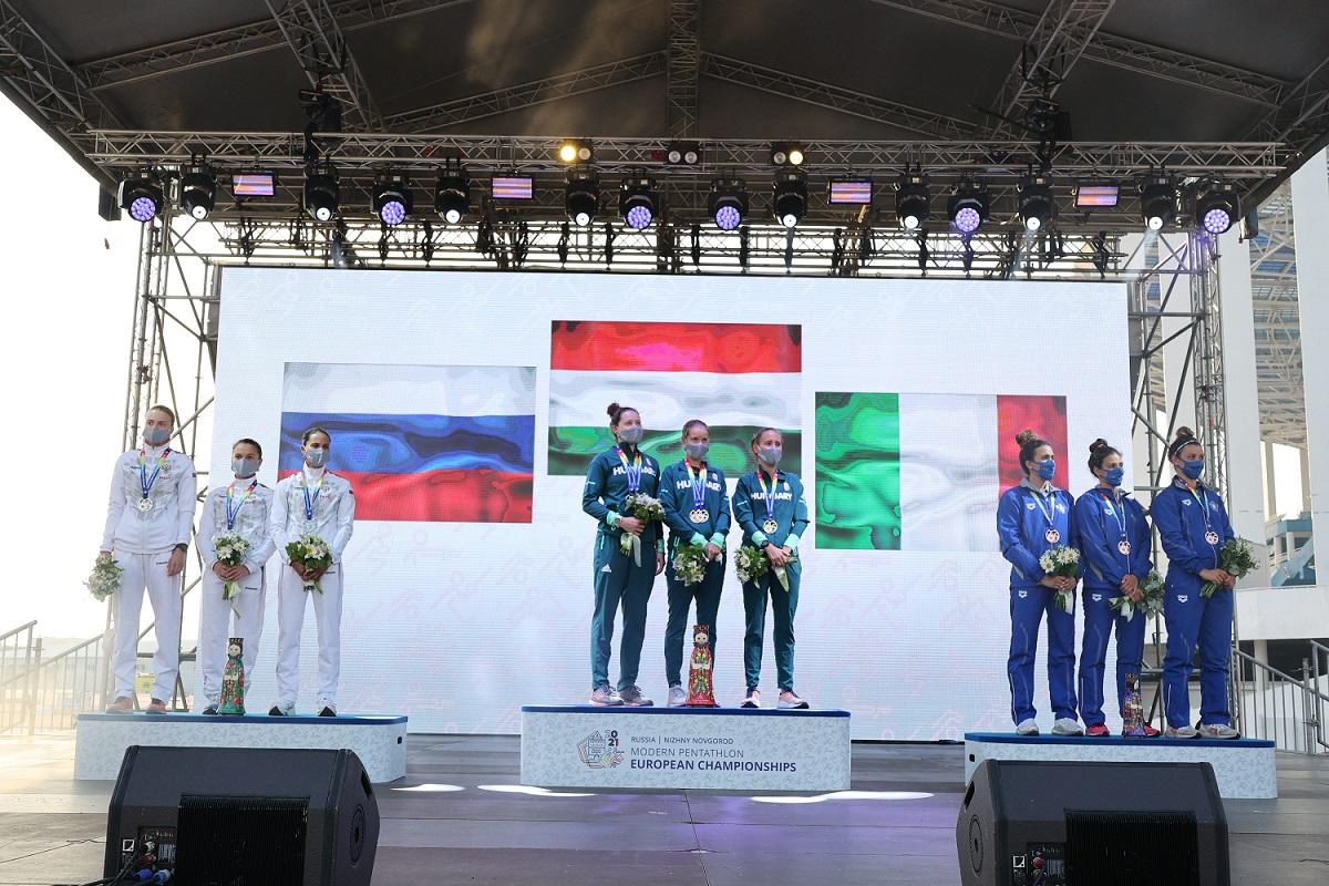 Женская сборная России завоевала серебро на чемпионате Европы по современному пятиборью