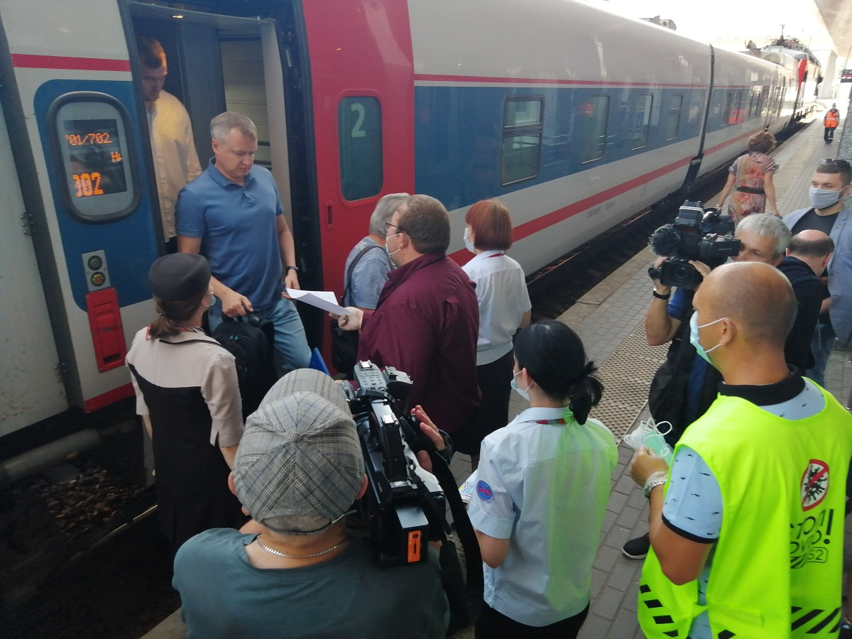 Проверка соблюдения масочного режима прошла на вокзале Нижний Новгород
