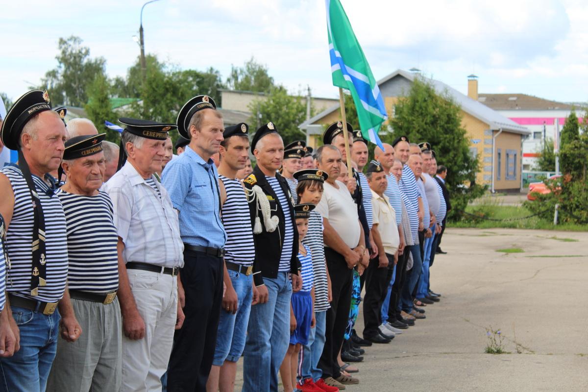 После большой глубины: ветеран-подводник из Пильны учит сельских мальчишек смелости и выносливости